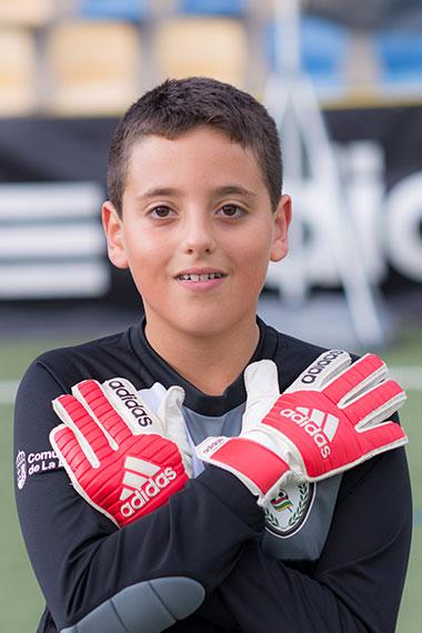 13 - Hector Castresana