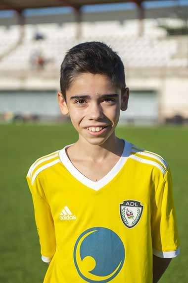 10 - Adrián Perez