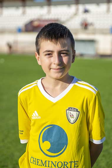 12 - Daniel Perez