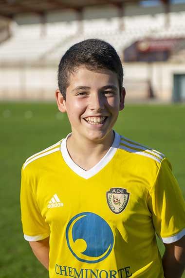15 - Mario Hernández