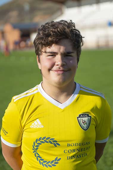 10 - Oscar Vallejo